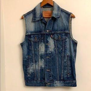 ⭐️Host Pick -Levi's  trucker jacket